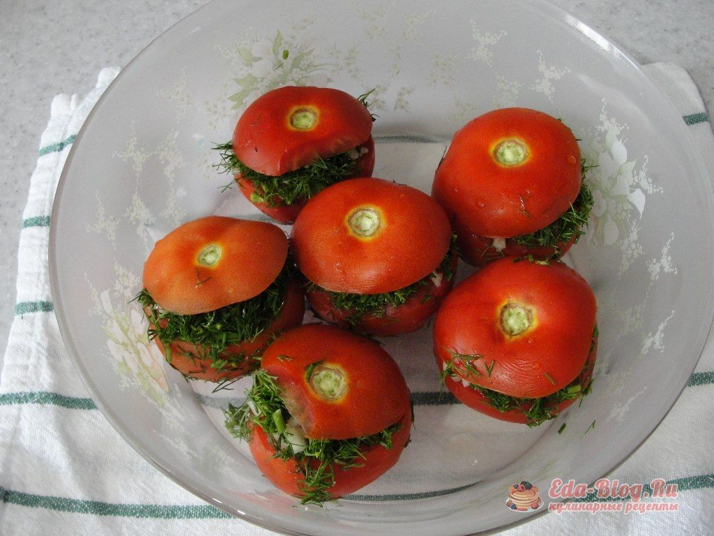 укладываем помидоры